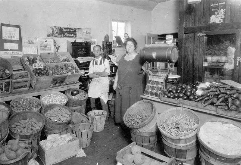 Witte's Fish Market, 13 S. 7th St., Stroudsburg. John and Mary Witte, waiting for customers, in 1924.